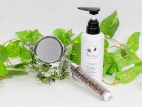 [Excellent moisturizing and antibacterial! Shower head with HEALBO (Helbo) filter material and very popular item! The best combination of First Moon shampoo ♪ 艶髪 base set]